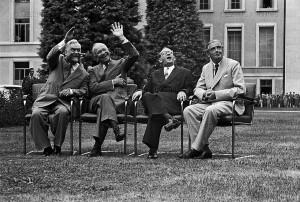 Los Cuatro Grandes en el Palacio de las Naciones (Ginebra)
